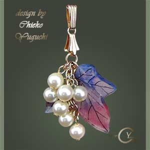 STAMP & PAINT Shrink Jewelry PJ133 Shrink Plastic in Jewelry Chieko Yuguchi work
